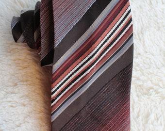 Vintage Leo Jourdan Paris Necktie Skinny red tones Slim Tie Diagonal Stripes Mad Men Paris