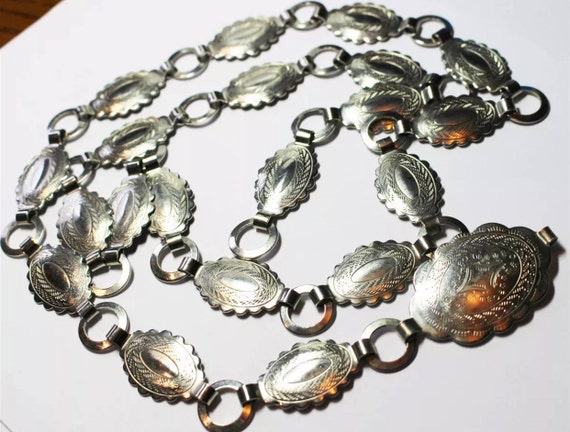 Vintage Silvertone Metal Boho Cowgirl South Western Concha Style Belt Necklace