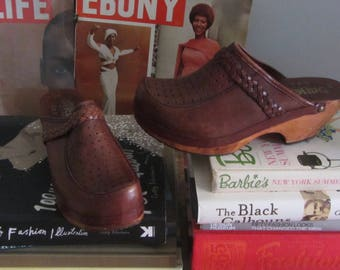 1970s brown leather clogs | 70's boho hippie