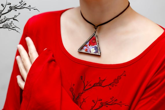 Red Floral triangle necklace - floral- vintage- woodland- daisy flower- glass locket