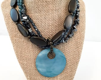 VIntage Jewelry- Vintage Necklace- Bead Necklace- Gift for her- Mom Gift- Fashionista Gift- Statement NecklaceNecklace