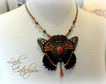 Cabinet of curiosities, spirit 1900 steampunk Butterfly bib necklace