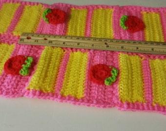 Crochet cake slice scarf short