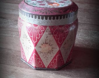 Rustic Chic 40's 50's Kemps Chocolate Table Fingers Biscuit Tin Red with yellow roses