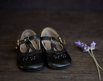 Vintage Clarks - The First Shoe - Black Mary-Jane Baby Shoes