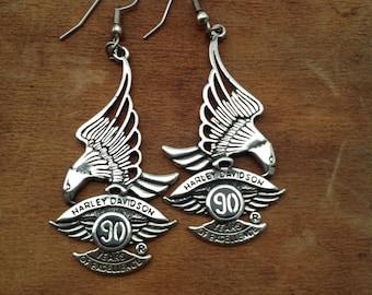 Vtg 1990s Harley Davidson 90 Years of Excellence pendant earrings