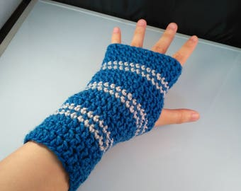 Hogwarts Ravenclaw themed handwarmers, blue and silver handwarmers, handmade crocheted armwarmers, silver and blue armwarmers