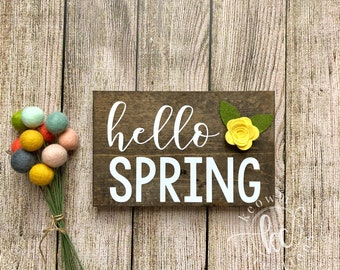 Hello Spring wood sign, Ready to Ship, 8.5x5.5