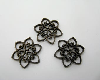 Set of 3 Brown form coco flower slightly domed - ref 7B buttons or applications