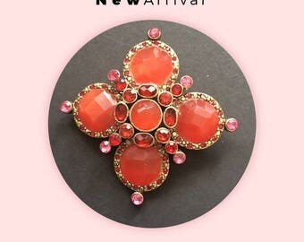 Stunning Vintage/ Gold Plated/ Coral Glass Cabochon Brooch/ Pin *Free Shipping