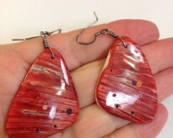 """VTG Native American Big Red Spiny Oyster Dangle Pierced Earrings with Sterling Wires 2 3/8"""" Long x 1 1/4""""Wide Lightweight for Everyday"""