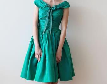 Vintage 1950s Green Taffeta Off the Shoulder Party Dress