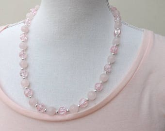 Rose quartz and crackle glass necklace, quartz necklace, pink necklace, summer necklace, crackle glass necklace, pretty necklace