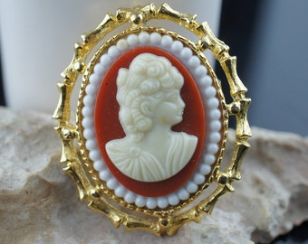 Vintage Jewelry  Victorian Golden Gold Tone Cameo Lady Pin Brooch Beautifully Detailed cc125