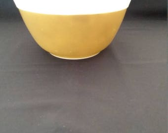Pyrex Americana 1 1/2 Quart Mixing Bowl
