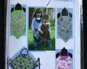 Vanilla House Designs P137 - Kid's Four Corners Apron with Contrast Fabric