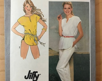 Simplicity 9557 - 1980s Era Jiffy Tunic or Cover Up with Slash Front Neckline and Pants - Size 16 Bust 38