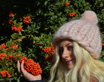 Chunky knit scarf hat set, Soft Pink Chunky knit hat, Super chunky infinite scarves Chunky scarf Infinity scarf Mohair scarf Christmas Gift