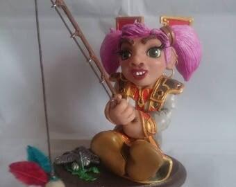 Gnome priest World of Warcraft (fishing)