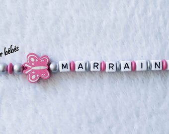 Keychain with wooden beads personalised with the name of your choice