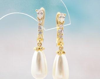 Wedding Pearl Earrings Pearl Yellow Gold Earrings Dainty Pearl Earrings Pearl Drop Earrings Zirconia Pearl Dangle Earrings Pearl Jewelry