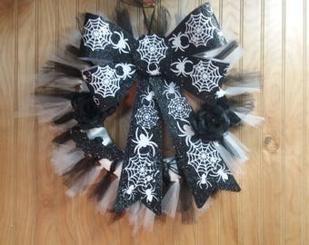 Black and White spider Wreath, Tulle Wreath with Spider and Web Bow, Front Door or Wall, 14 x 14, Front Door Decor, wall decor