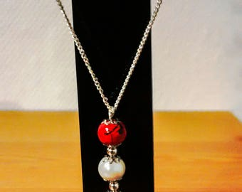 Red and White Pearl pendant with its fine silver chain 925