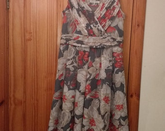Laura Ashley vintage summer/occasion dress with floaty skirt size 14