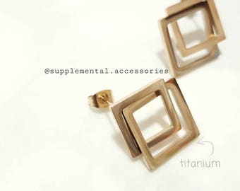 045 Stud Earrings Bonding Square Titanium Gold Color