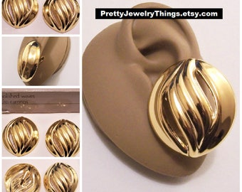 Avon Polished Waves Clip On Earrings Gold Tone Vintage 1992 Extra Large Wide Band Swirl Ribbed Slotted Big Discs Buttons