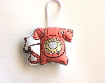 Pink telephone: 1980s telephone ornament
