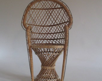 Miniature Peacock Chair, Vintage Sturdy Doll Furniture Wicker Plant Stand Display Photo Prop Tropical Boho Cottage Beach Resort Decor