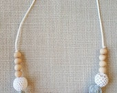 Crochet Nursing Necklace, Nursing Necklace, Wood Teether, Teething Necklace, Breastfeeding Necklace, New Mom gift, Baby Shower gift
