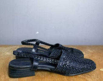 Navy woven sandals / 90s sling back woven shoes / Russell and Bromley shoes / 90s summer shoes / navy leather woven shoes / UK 4.5 / US 6.5