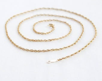 14k Solid Gold Spiral Rope Chain, 18 inches long, 2.3 Grams, Fine Estate Gold Necklace, Nice Length, Add Pendant or Layer