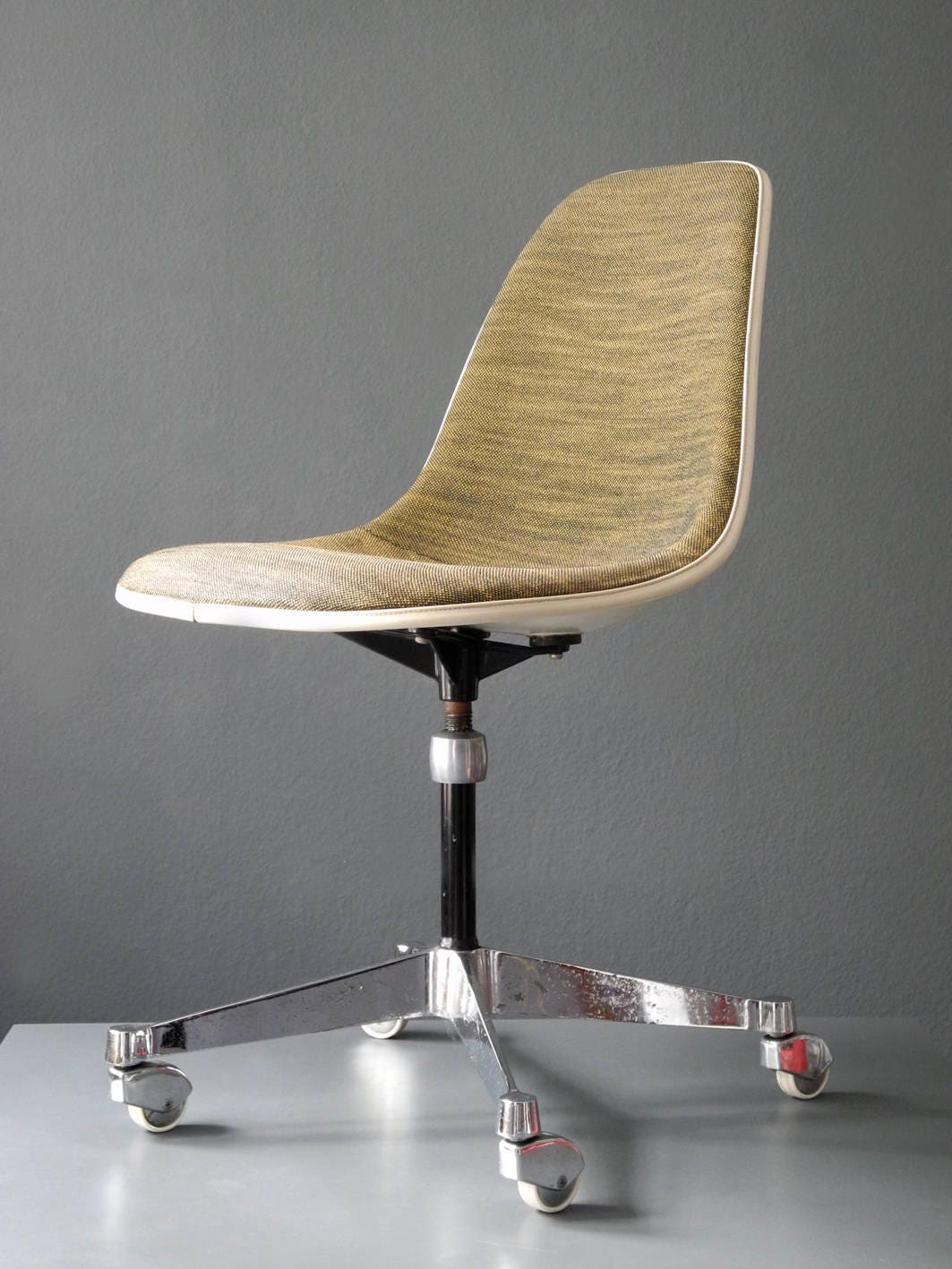 charles eames stuhl original affordable eames dining chair original ideas photos with charles. Black Bedroom Furniture Sets. Home Design Ideas