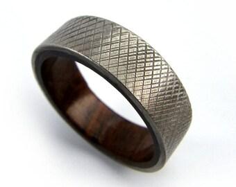 Walnut Wood Ring, Men's Ring, Knurled Ring, Men Wedding Ring, Men Engagement Ring, Black Walnut, Gift for Men, Wedding Band, Engagement Band