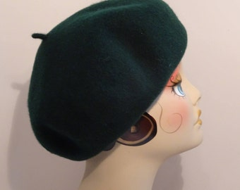 Woman's Wool Beret Forest Green French MSU Stretchy