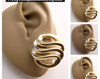 Givenchy Swirl Wavy Ribs Padded Clip On Earrings Gold Tone Vintage Extra Large Round White Padded Buttons