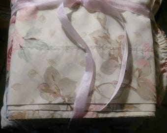 Twin sheet set/Mismatched floral sheet set/Shabby Chic/Floral Sheets/Hippie Decor/Flat Sheet/Fitted Sheet/Two Pillowcases