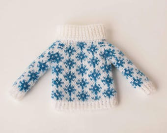 White blue blythe sweater Snowflakes doll sweater Hand knitted doll clothes 1/6 scale doll sweater White blythe clothes Snowflakes blythe