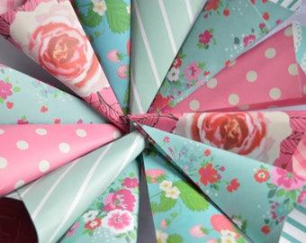 Party cones, Sweet cones, Party bags, Candy stripe bags, Favour bags, Sweet trolley bags, Candy cones,  25 party cones