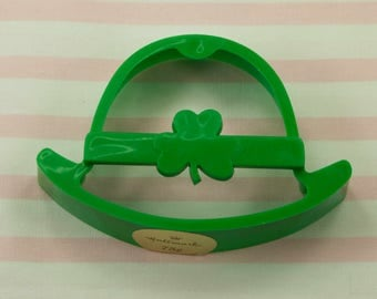 1984 Hallmark Green Derby St. Patrick's Day Plastic Cookie Cutter