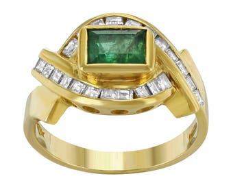Handmade Green Emerald and Diamond Yellow Gold Vintage Retro Ring