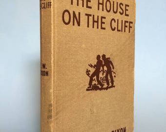 The House On The Cliff by Franklin W. Dixon 1950s the Hardy Boys Series