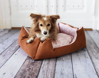Dog bed, cat bed, cognac, brown, pink, cat, dog, puppy, birds, branches, vintage, shabby, pet, sleeping, pillow, cozy