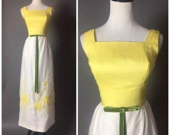 Vintage 60s dress / 1960s dress / maxi dress / floral dress / embroidered dress /  60s 70s dress 8097