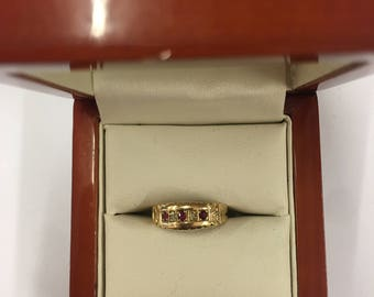 Vintage 1960s 18ct Yellow Gold Diamond and Ruby Ring Size J