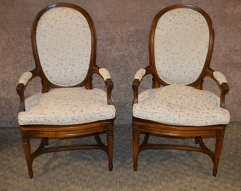 Superb Vintage Louis XV Style Pair Of Accent Chairs