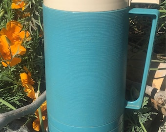 Vintage pint size thermos blue off white red stopper 3 piece thermos set